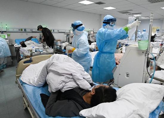 Боткинская больница и коронавирус: борьба продолжается